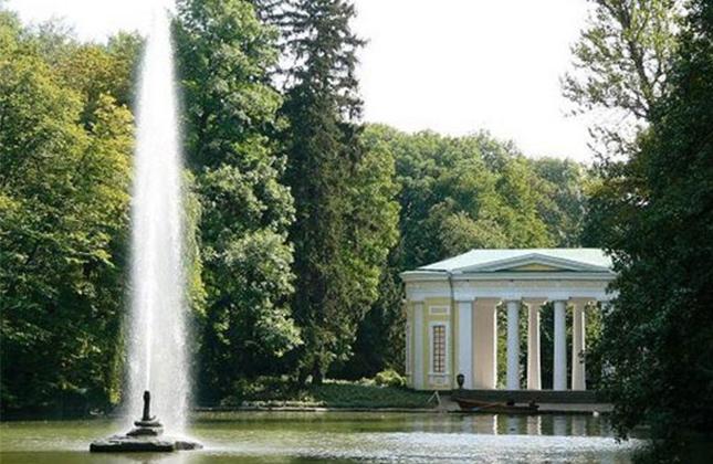 סיפורו של הגן המופלא – גן סופיה באומן הגן שמוגדר כאחד משבעת פלאי תבל