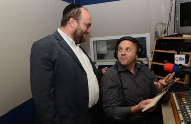 הזמר הליטאי אלי פרידמן הגיע להתפלל בציון רבינו באומן