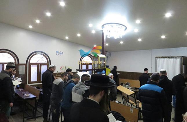 השבוע החלו בשיפוץ מתחם היכל הכהנים בציון רבינו באומן