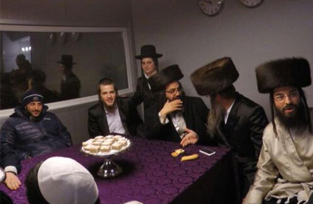"""במוצ""""ש פר' יתרו התקיימה סעודת האירוסין באומן לחתן הערשי העניג"""