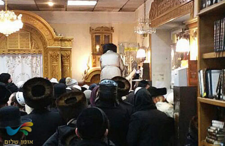 שבת חנוכה אצל הצדיק באומן • כ-1000 חסידי ברסלב התקבצו השבת -גלריה