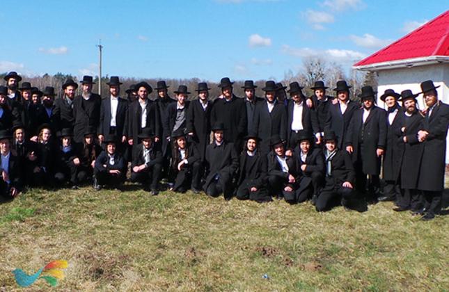 תלמידי ישיבת ברסלב 'אהבת משה' וצוות הישיבה יצאו לשבוע של מסע באוקראינה