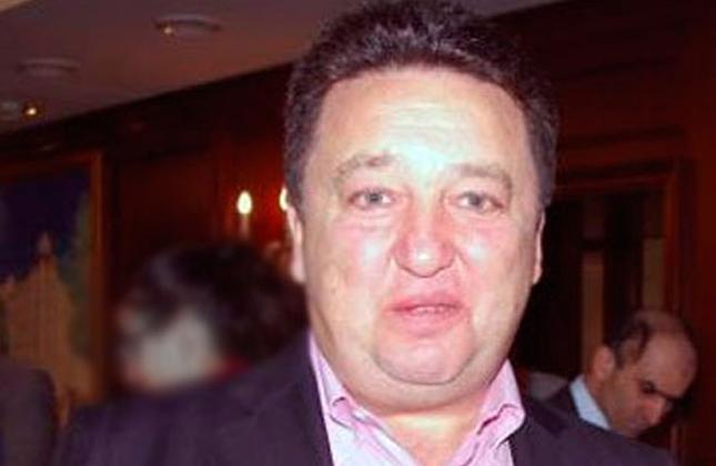 """אלכסנדר פלדמן איש פרלמנט יהודי הותקף ע""""י אנטישמיים ליד בנין הפרלמנט בקייב"""