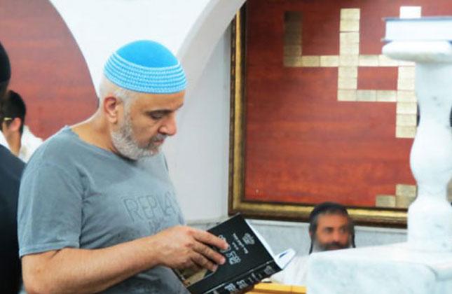 """הזמר עופר לוי התרגש בביקורו בבית הכנסת ברסלב: """"משיח כבר מוכרח להגיע"""""""