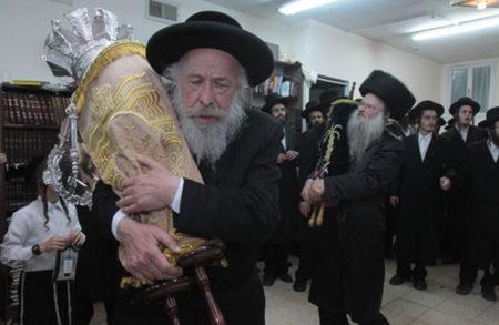 הכנסת ספר תורה התקיימה ביום ראשון בבית הכנסת דחסידי ברסלב בית שמש
