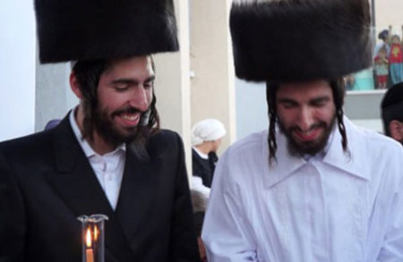 """בהפרש של 4 ימים נישאו חסידי ברסלב תאומים, עב""""ג התאומות"""