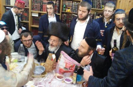 """סעודת פורים ב 'אהבת תורה' עם הרה""""ח ר' ישראל מאיר ברנר שליט""""א"""
