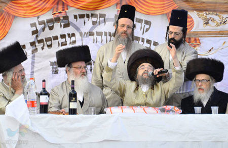 """רבי יעקב מאיר שכטער שליט""""א נשיא קהילת 'קרן אור' בעריכת 'משתה היין'"""