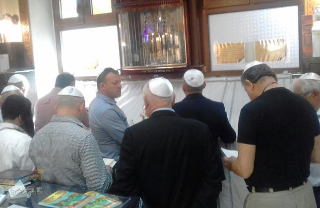 ראש עיריית נצרת עילית וחברי משלחת מישראל הגיעו לשאת תפילה באומן