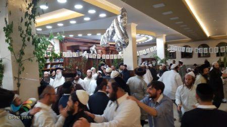 אומן: ריקודים בציון הקדוש במוצאי יום טוב שני של שבועות
