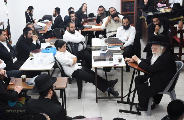 """שיחת חיזוק לאברכי הכולל 'עמלים' בבית הכנסת ברסלב """"פאר הנצח"""" בעיה""""ק צפת"""