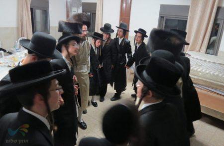 שבת התאחדות באתרא קדישא מירון לבחורי החמד בקהילת אנשי הצדיק בית שמש