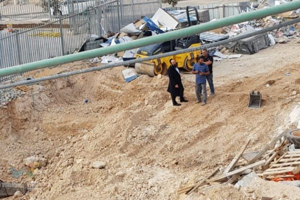 """צפו בתיעוד מהתקדמות החפירות בשטח הבנין הק' """"כולל חצות"""" ביתר עילית"""