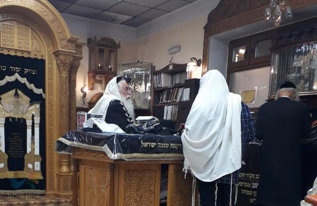 """חבר הכנסת הרב מאיר פרוש הגיע לשאת תפילה בקברו של רבי נחמן מברסלב זיע""""א"""