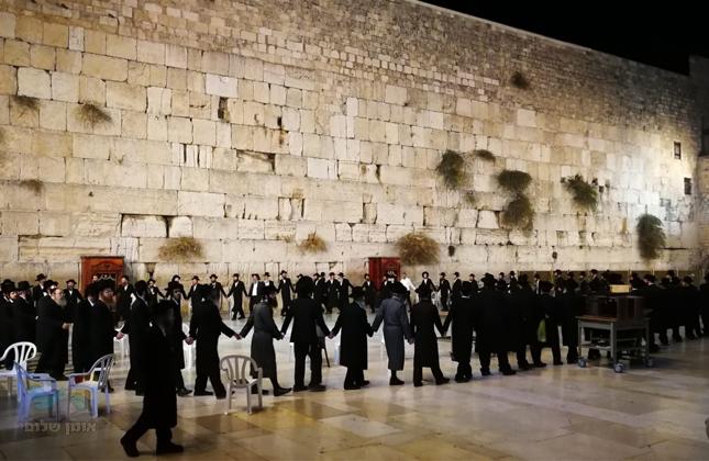 """אברכי """"כולל חצות-ארץ ישראל"""" בנסיעה מיוחדת לרגל היארצייט של רחל אמנו ע""""ה"""