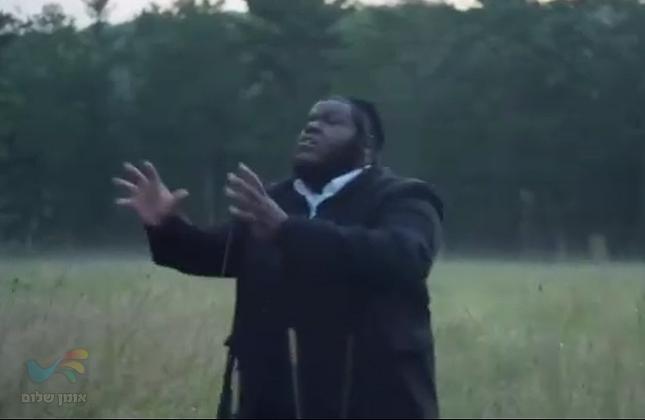 """ניסים בלאק בקליפ חדש באנגלית שיר התבודדות תפילה ובקשה מהקב""""ה • צפו"""