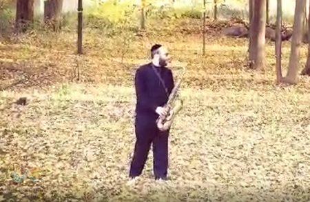 'יחדשהו' • בעל המנגן צבי גולדרינג בביצוע מרטיט ללחן הברסלבאי העתיק