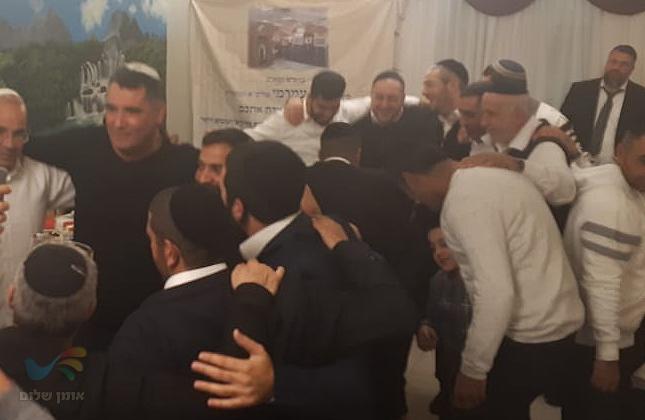 """הרב אייל עמרמי שליט""""א וקהילת כאייל תערוג שהו השבת סמוך לציון רבינו באומן"""