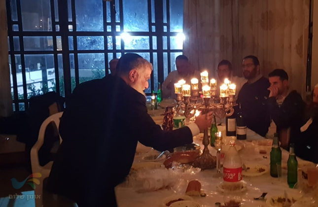 """סעודת הילולת מוהרנ""""ת מברסלב זיע""""א בביתו של הנגיד ר' דוד דרלי בטבריה"""