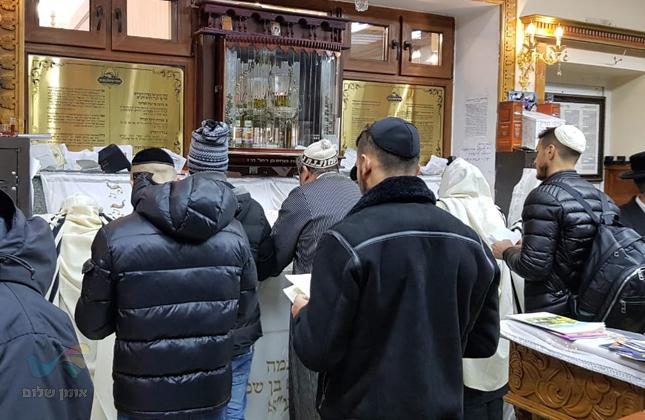 הכדורגלן הישראלי רמי גרשון, הגיע הבוקר לשאת תפילה בציון רבי נחמן מברסלב באומן