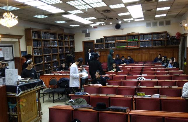 קהילת אומן התכנסה בהיכל הציון לעורר רחמי שמים לרפואת הרב ישראל פינטו