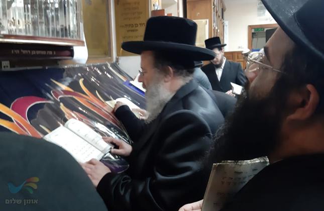 """האדמו""""ר מביאלה אוסטרובה שליט""""א הגיע לשאת תפילה בציון רבינו הק' באומן"""
