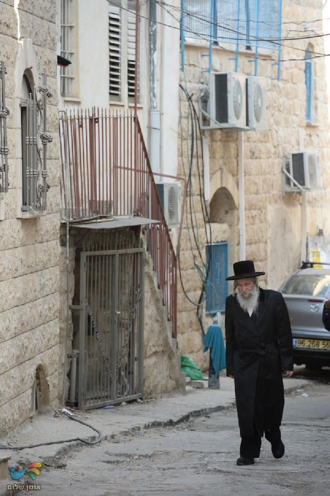 מראות חייו של הרב אלעזר מרדכי קעניג