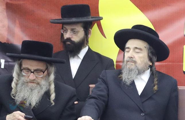 החלטות עצרת המחאה שהתקיימה נגד חילול בית החיים היהודי באומן • גלרייה