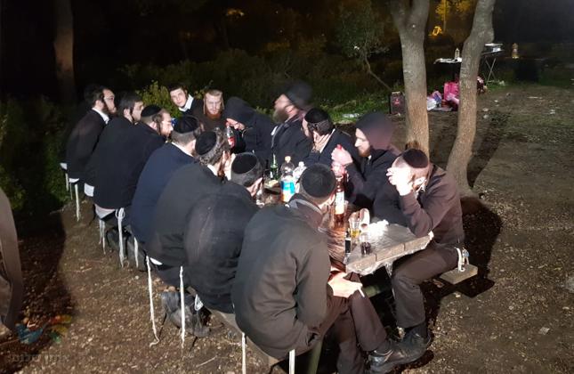 חבורת איחוד האברכים דחסידי ברסלב התכנסו לסעודת ראש חודש בשדה ההתבודדות