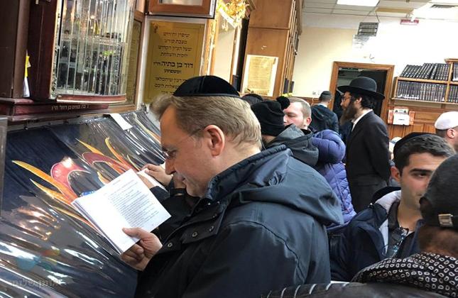 ראש עיריית לבוב ומועמד בבחירות לנשיאות אוקראינה ביקר הערב בציון באומן
