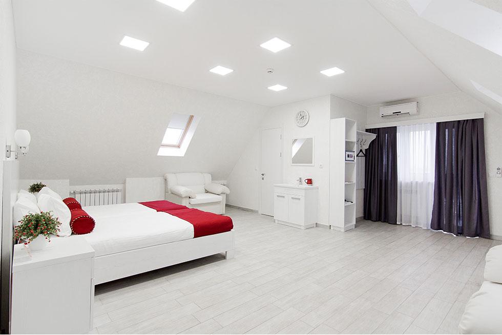 חדר במלון חושן באומן