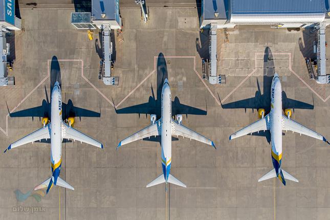 עשרות מטוסים חונים סמוך למסופי שדה התעופה בוריספיל בקייב וממתינים לנוסעים
