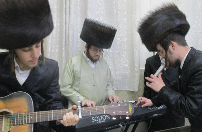 מעמד סיום מסכת עירובין בבית המדרש הגדול 'היכל הקודש' ברסלב בירושלים